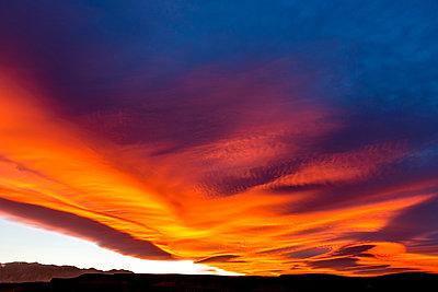 Sierra Nevada Wave Cloud - p343m1173441 by Rick Saez