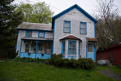 house, architecture, rundown, - p694m810967 by Adam Putnam