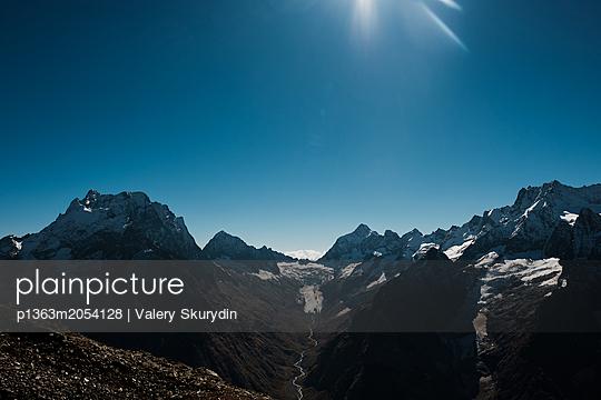Tiefes Tal - p1363m2054128 von Valery Skurydin