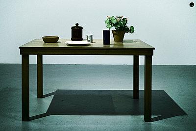 Table - p911m945327 by Émile Zwaltek