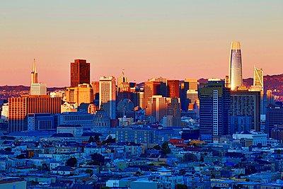 San Francisco sunset - p1399m1528869 by Daniel Hischer