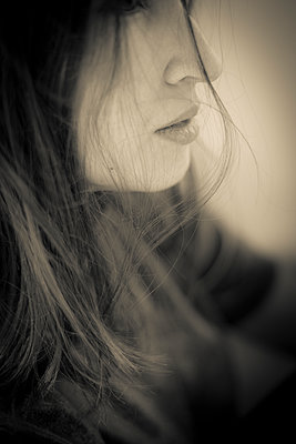 Young woman - p1621m2278169 by Anke Doerschlen