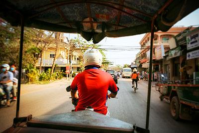 Cambodia, Siem Reap, driving tuk tuk - p300m1228779 by realitybites