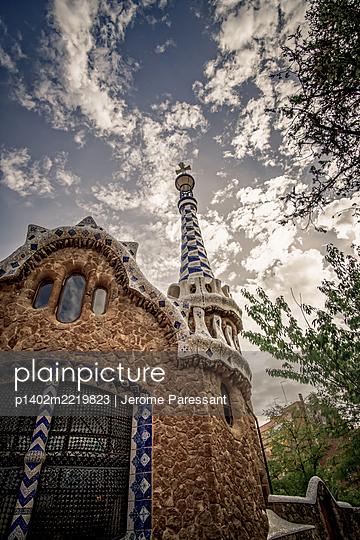 Spain, Barcelona, Mosaic tower - p1402m2219823 by Jerome Paressant
