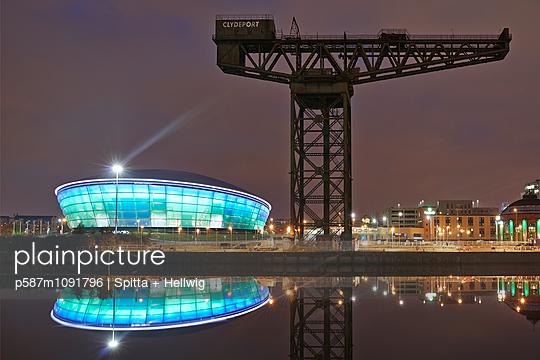Glasgow - p587m1091796 by Spitta + Hellwig