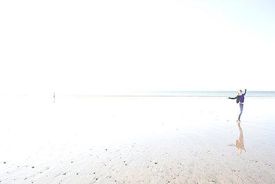 Girl on Le Havre beach - p1289m1125235 by Elisabeth Blanchet
