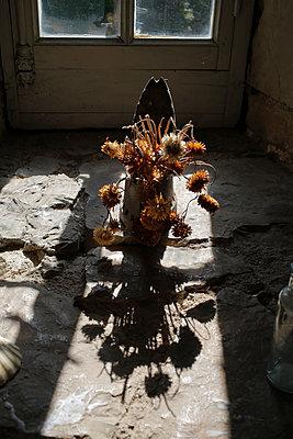 Bunch of Dried Flowers - p1307m2122277 by Agnès Deschamps
