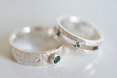 Two silver wedding rings with tsavorites and diamonds. - p1433m1531950 by Wolf Kettler