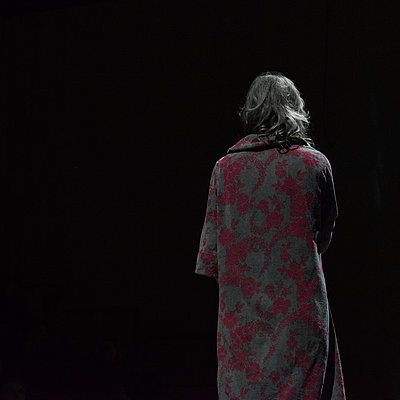 Rear view of woman in bathrobe - p1624m2222656 by Gabriela Torres Ruiz