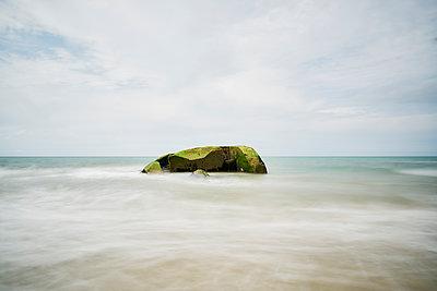 Bunker am Meer - p1312m1502233 von Axel Killian
