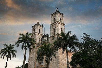 Kathedrale Las Monjas in Morelia - p375m1563896 von whatapicture