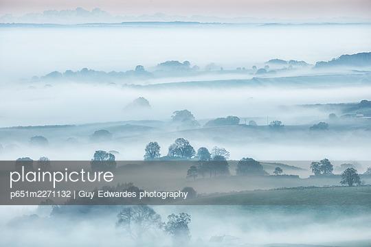 p651m2271132 von Guy Edwardes photography