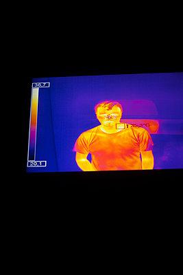 Infrared of man - p1028m2289447 von Jean Marmeisse