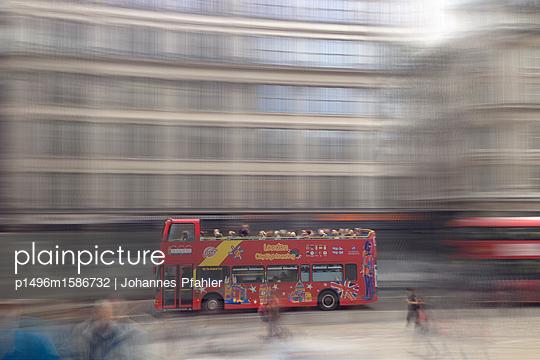 Bus_1 - p1496m1586732 von Johannes Pfahler