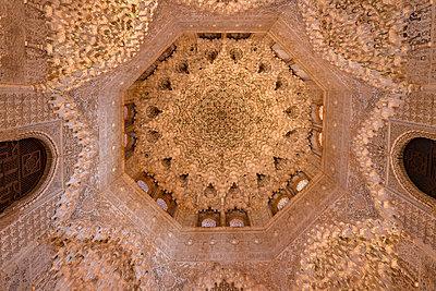 Spain, Granada, Alhambra, Ceiling - p1332m2205600 by Tamboly