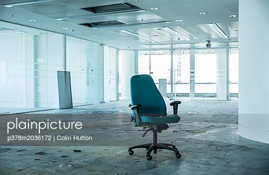 p378m2036172 von Colin Hutton