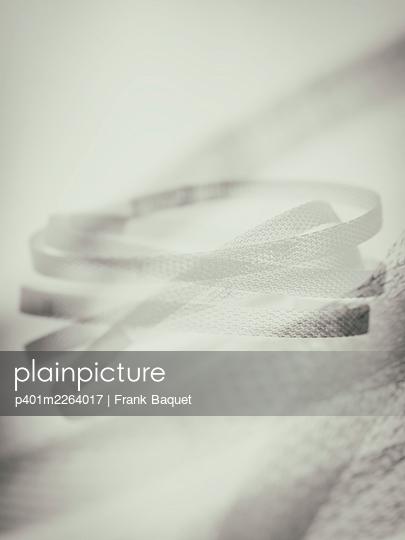 Plasticstraps - p401m2264017 by Frank Baquet