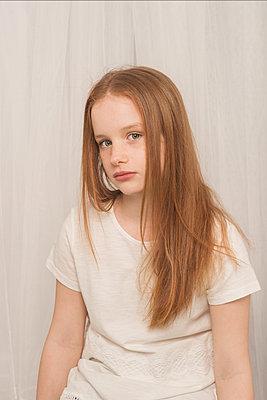 Junges Mädchen - p1323m1444769 von Sarah Toure