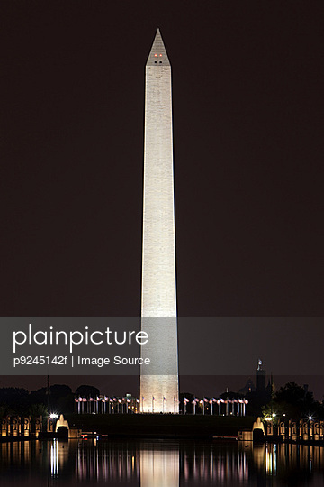 Washington monument at night, Washington DC, USA