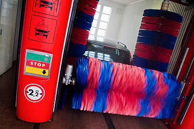 Car wash  - p1418m1572269 by Jan Håkan Dahlström