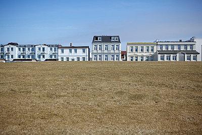 Häuser auf Norderney - p5861747 von Kniel Synnatzschke