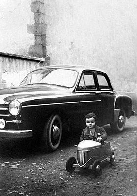 Vintage - p8130386 by B.Jaubert