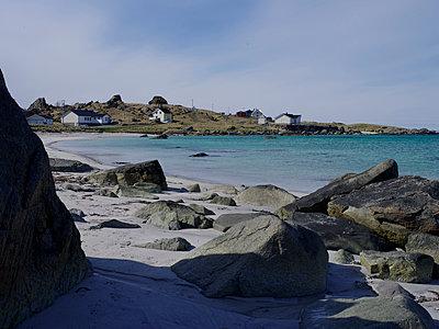Landscape, lofoten - p945m1497413 by aurelia frey