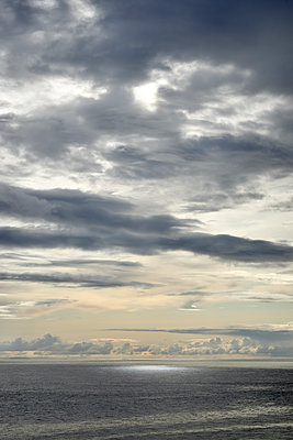 Abendhimmel am Meer - p1124m1491938 von Willing-Holtz