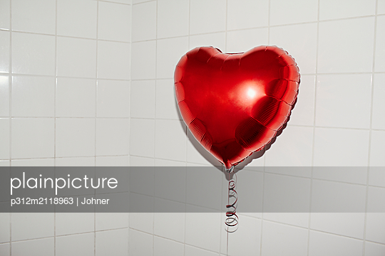 Heart shaped balloon - p312m2118963 by Johner
