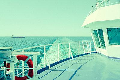 Verlassenes Schiffsdeck - p432m2015693 von mia takahara
