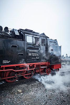 Old locomotive Harzer Schmalspurbahn - p851m1573507 by Lohfink