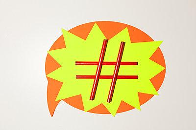 Hashtag - p454m1332613 von Lubitz + Dorner