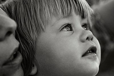 Aufmerksames Kind - p972m1333476 von Felix Odell
