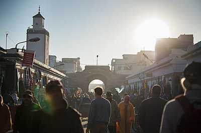 Morocco, Essaouira, Crowd of people in the city - p1167m2269963 by Maria Schiffer
