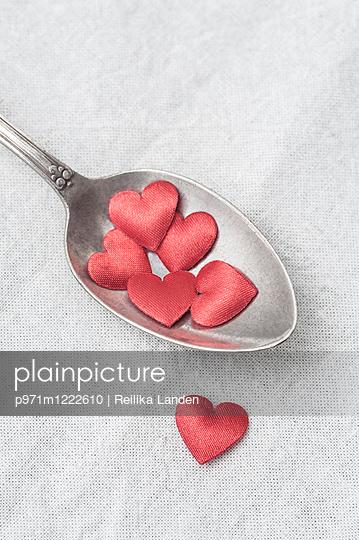 Hearts on spoon - p971m1222610 by Reilika Landen