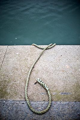 Quayside Rope - p1309m1133502 by Robert Lambert