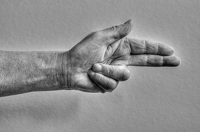 Hand sign, revolver - p1562m2285184 by chinch gryniewicz