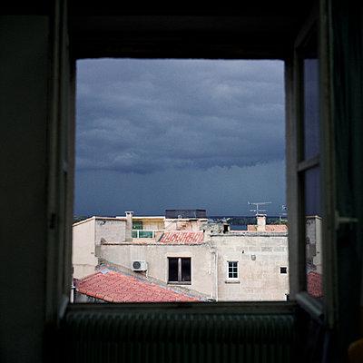 Dark clouds over Arles - p9110484 by Benjamin Roulet