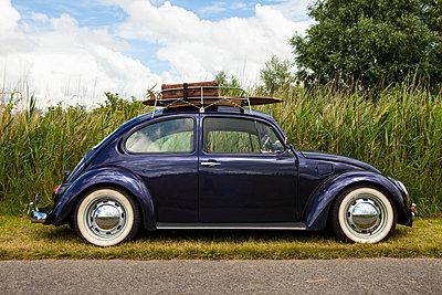 mit dem VW-Käfer in den Urlaub - p045m1462198 von Jasmin Sander