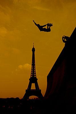 Skateboarder, Paris, France - p1028m1586827 by Jean Marmeisse