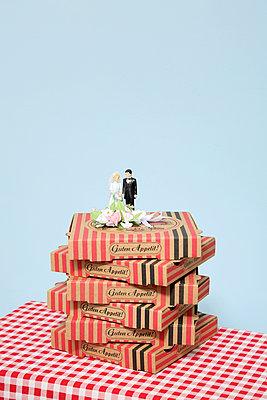 Fast Food Hochzeitstorte - p237m1124547 von Thordis Rüggeberg