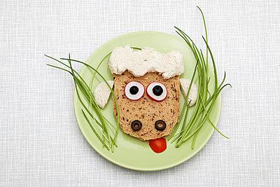 Funny meal - p238m831881 by Anja Bäcker