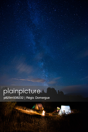 Camping - p829m938232 von Régis Domergue