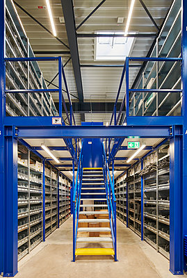 Warehouse - p1119m2291739 by O. Mahlstedt