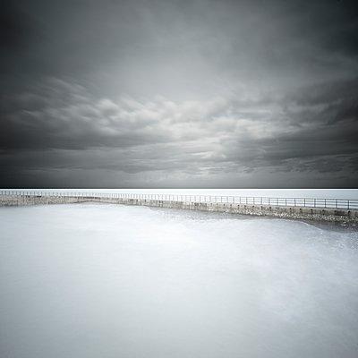 p1137m1487314 by Yann Grancher