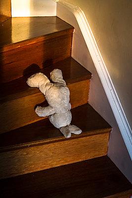 Teddy bear on stairs - p1170m1464863 by Bjanka Kadic