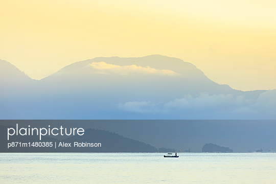 Mountains and sea on the Green Coast, Rio de Janeiro state, Brazil, South America - p871m1480385 by Alex Robinson