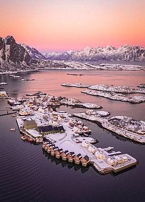 Stunning Norway - p1166m2130359 by Cavan Images