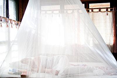 Bedroom - p993m877381 by Sara Foerster