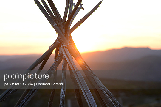 Sunset - p1631m2217684 by Raphaël Lorand